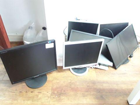 Lot 42 6 ASSORTED COMPUTER MONITORS
