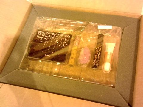 Lot 2639 BOXED EXCELLENT CONDITION TARTE COSMETICS GIFT SET TO INCLUDE MENEATER MASCARA, BUSY GAL GLOSS, SHAPE TAPE ETC.