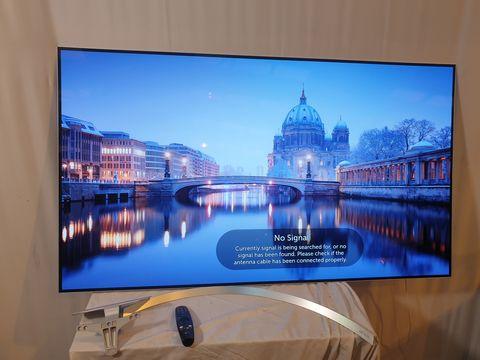 Lot 44 LG OLED65B7V 65 INCH OLED 4K ULTRA HD SMART TELEVISION