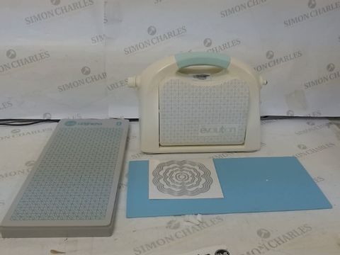 Lot 200 WE R MEMORY KEEPERS WE EVOLUTION ADVANCE DIE CUTTING/EMBOSSING MACHINE
