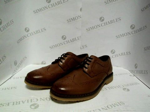 Lot 1069 BOYS M&S BROWN LEATHER SMART SHOES - UK SIZE 13