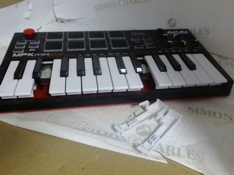 Lot 7566 AKAI MPK MINI PLAY