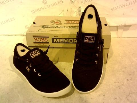 Lot 15919 BOXED PAIR OF BOBS BY SKETCHERS BLACK TRAINERS SIZE 5