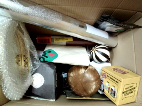 Lot 155 A MMEDIUM BOX OF ASSORTED HOME DECOR ITEMS