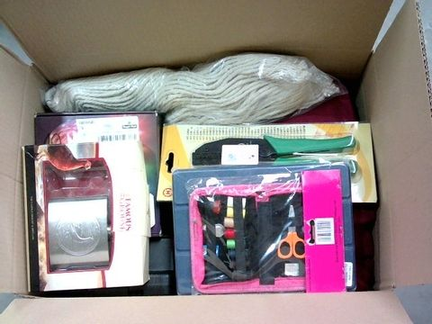 Lot 2292 BOX OF LARGE QUANTITY OF ASSORTED HOUSEHOLD ITEMS
