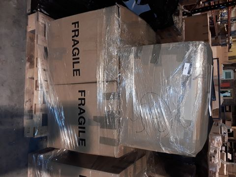 Lot 54 PALLET OF APPROXIMATELY 105 ASSORTED CLOTHING, BEAUTY AND HOUSEHOLD ITEMS, TO INCLUDE: