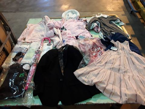 Lot 13655 CAGE OF ASSORTED CHILDRENS CLOTHING TO INCLUDE: DEBENHAMS JACKET, M&S SLEEPSUITS, M&S SHORT SLEEVE BODY SUITS, NEXT DRESS