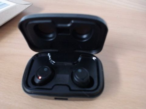 Lot 2109 AIKELA WIRELESS EARPHONES