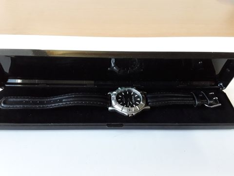 Lot 9246 WRANGLER QUARTZ WATER RESISANT 30M BLACK STRAP WATCH