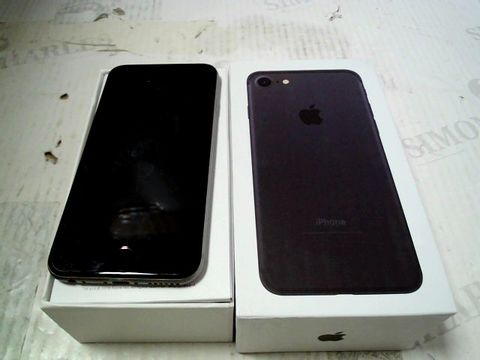 Lot 327 BOXED APPLE IPHONE 6 (A1586) SMARTPHONE - CAPACITY UNKNOWN