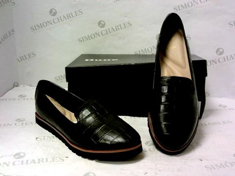 Lot 8076 BOXED PAIR OF DUNE SLIP ON SHOES SIZE 40