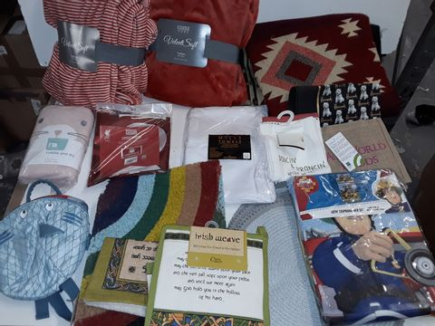 Lot 3159 LARGE QUANTITY OF ASSORTED HOME FABRIC ITEMS TO INCLUDE FIREMAN SAM BED SET, RAINBOW DOOR MAT, SOFT THROWS AND IRISH WEAVE TEA TOWELS