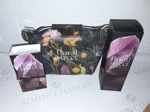 Lot 8446 FLORAL STREET BEAUTY BAG INCLUDES BODY CREAM AND EAU DE PARFUM