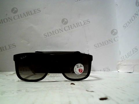 Lot 81 DESIGNER BLACK FRAMED SUNGLASSES