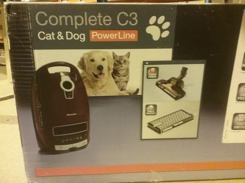 Lot 2146 MIELE COMPLETE C2 CAT & DOG POWERLINE VACUUM CLEANER