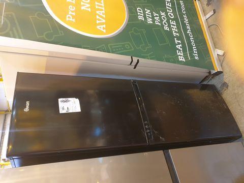 Lot 7060 SWAN SR8160 172CM 50/50 FRIDGE FREEZER BLACK  RRP £299.99
