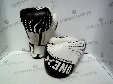 Lot 7166 ONEX SPORTS BOXING GLOVES