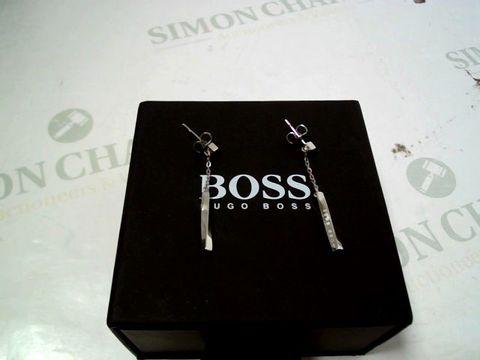 Lot 4165 BOSS SIGNATURE LONG STAINLESS STEEL EARRINGS RRP £60.00
