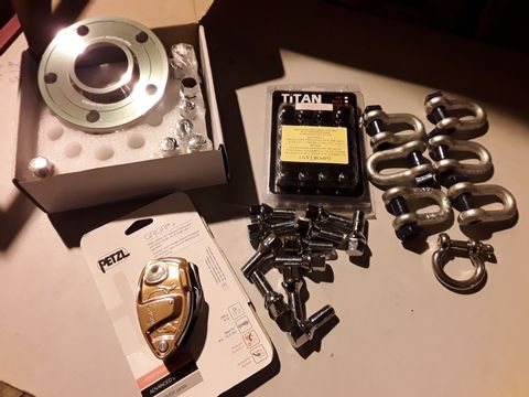Lot 63 ASSORTED ITEMS, PAIR ALLOY WHEEL SPACERS, SET TITAN WHERL STUDS, PETZL GRIGRI BELAY DEVICE, CKEATS, WHEEL STUDS,