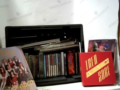 Lot 8280 LOT OF APPROXIMATELY 30 ASSORTED CD'S AND BOX SETS TO INCLUDE; DOCTOR WHO, EYWES WIDE OPEN ETC