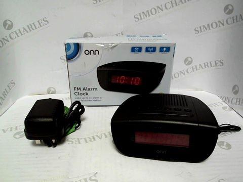 Lot 7384 BOXED ONN FM ALARM CLOCK