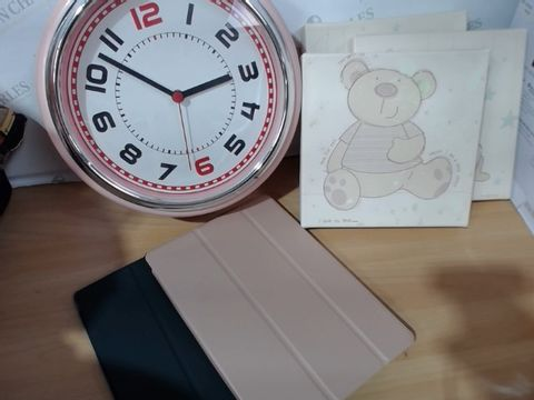 Lot 3005 MEDIUM LOT OF ASSORTED HOUSEHOLD ITEMS TO INCLUDE: PINK WALL CLOCK, SET OF 3 CARTOON CANVASES, IPAD COVERS ETC