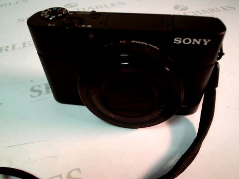 Lot 4784 SONY RX100 DIGITAL CAMERA