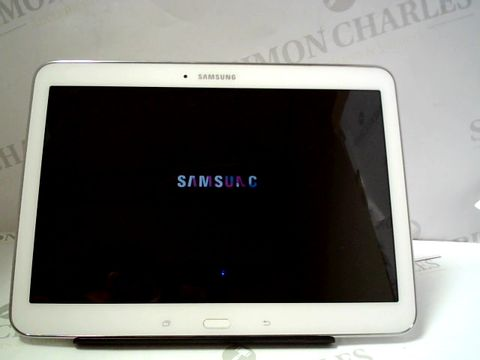 Lot 1253 SAMSUNG GALAXY TAB 4 ANDROID TABLET