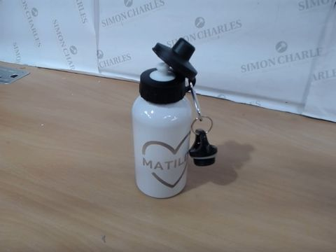 Lot 1053 PERSONALISED GOLD HEART DRINKS BOTTLE