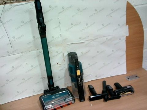Lot 4035 SHARK DUOCLEAN UPRIGHT VACUUM CLEANER