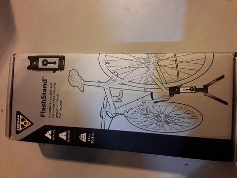 Lot 22 TOPPEAK CYCLE FLASH STAND