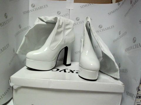 Lot 13056 BOXED PAIR OF DESIGNER SEXYCA BOOTS - UK SIZE 6
