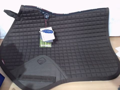 Lot 2020 LE MIEUX SADDLE PAD FOR HORSES -BROWN NEW CONDITION - LARGE