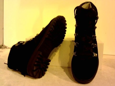 Lot 16226 BOXED PAIR OF BLACK SUEDE ANKLE BOOTS UK SIZE 3