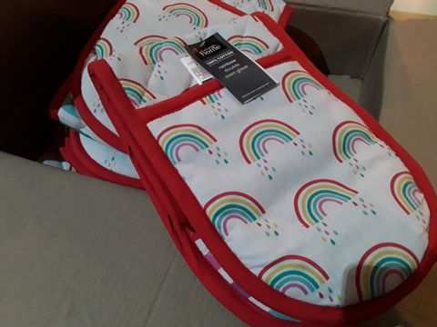 Lot 10605 BOX OF FIVE GEORGE RAINBOW DOUBLE OVEN GLOVES