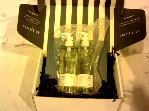 Lot 1596 EXCELLENT CONDITION SHAY & BLUE SHOWER OIL DUO 250ML IN BLACKBERRY WOODS