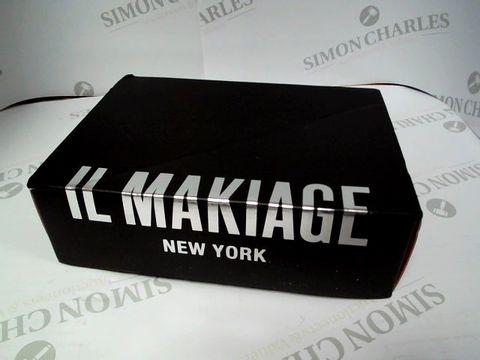 Lot 8091 IL MAKIAGE NEW YORK - COSMETICS BOX