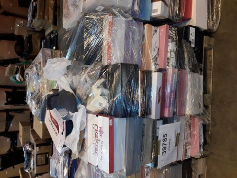 Lot 4018 PALLET OF APPROXIMATELY 110 PAIRS OF ASSORTED SHOES TO INCLUDE: