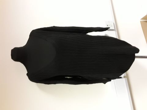 Lot 13039 SHEIN V NECK BLACK JUMPER SIZE M