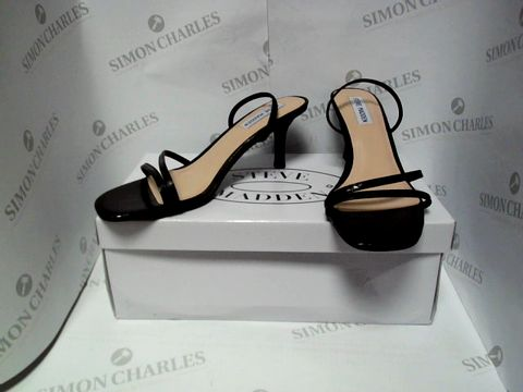 Lot 13094 BOXED PAIR OF DESIGNER STEVE MADDEN HEELS - UK SIZE 9