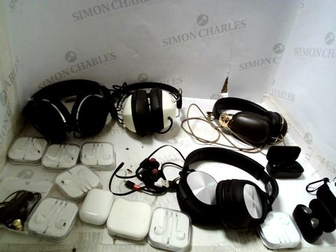 Lot 293 LOT OF ASSORTED HEADSETS AND HEADPHONES ETC