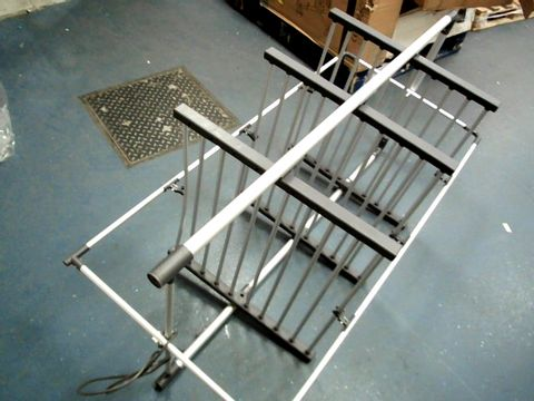 Lot 15185 BOXED BLACK AND DECKER 3 TIER HEATED AIRER 300W (21M DRYING SPACE)