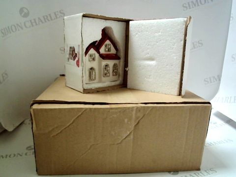 Lot 7529 BOX OF 6 LED CHRISTMAS HOUSES