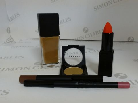 Lot 9454 BOX OF APPROXIMATELY 100 ASSORTED BRAND NEW MAKE UP ITEMS TO INCLUDE GAUDY LIPSTICK, ALCHEMY EYESHADOW, CINDER EYE CRAYON, ETC