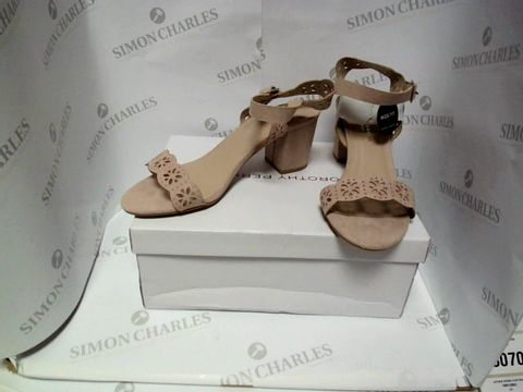Lot 13066 BOXED PAIR OF DESIGNER DOROTHY PERKINS HEELS  UK SIZE 6