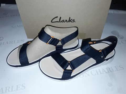 Lot 8057 BOXED PAIR OF CLARK'S TRI SPOTTY SHOES IN NAVY TEXTILE - UK 6