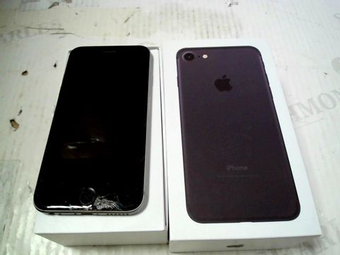 Lot 324 BOXED APPLE IPHONE 6 (A1586) SMARTPHONE - CAPACITY UNKNOWN