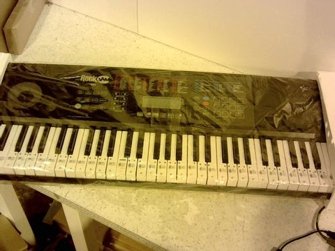 Lot 1013 ROCKJAM RJ761-SK KEY ELECTRONIC INTERACTIVE TEACHING PIANO KEYBOARD