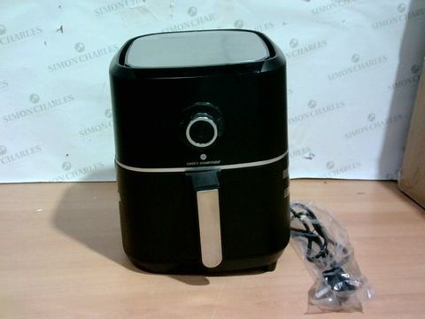 Lot 4002 COOK'S ESSENTIAL AIR FRYER