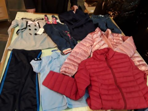 Lot 13529 CAGE OF ASSORTED CHILDRENS CLOTHING TO INCLUDE: ZARA JACKET, RALPH KAUREN POLO, EVERLAST TROUSERS ETC